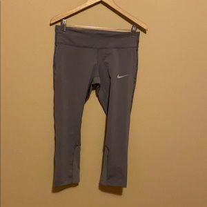 Capri leggings, never worn